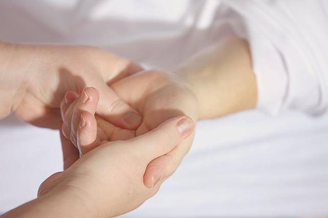 理学療法士・作業療法士が知っておくべきプラシーボ効果とノーシーボ効果